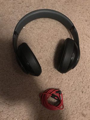 Beats Studio 2 Wired (not bluetooth) for Sale in Seattle, WA