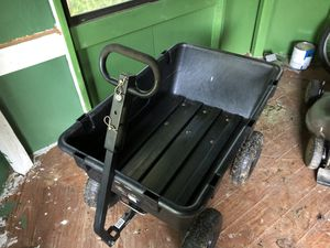 GroundWork (Gorilla Cart like)Pro Series Poly Dump Cart, 1,400 lb. Capacity for Sale in Etna, OH