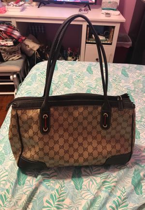 Authentic Gucci hang bag 💼 for Sale in Goodyear, AZ