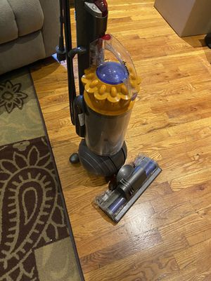Dyson upright Vaccum for Sale in Edgewater, NJ