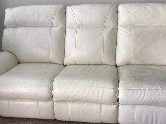 Power Reclining White Leather Couch for Sale in Lakeland,  FL