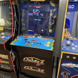 Arcade 1UP Galaga with Riser for Sale in Miami, FL