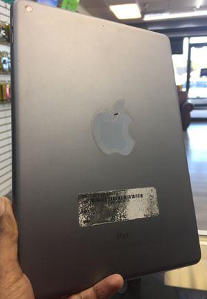 iPad 5th 32GB WiFi !! for Sale in Tampa, FL