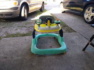 BABY WALKER / LIKE NEW for Sale in Wahneta, FL
