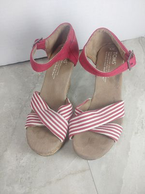 Tom's Red Stripe Strappy Heels Wedges Very Nice size 5 for Sale in Portland, OR