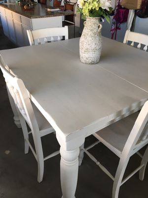 Refurbished dining room table for Sale in Queen Creek, AZ