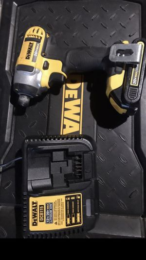 20V Dewalt impact with battery and charger for Sale in Houston, TX