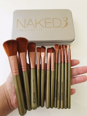 2 Sets Of Naked3 Brushes (24 Pieces) for Sale in Queens, NY