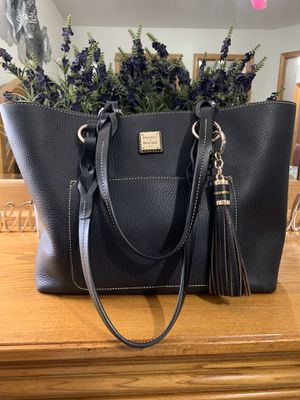 Dooney & Bourke Tote Bag for Sale in Crest Hill, IL
