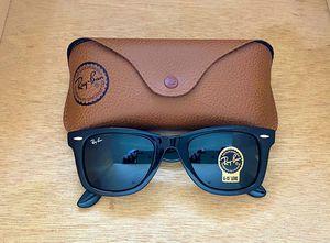 Brand New Authentic Wayfarer Sunglasses for Sale in Houston, TX