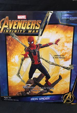 Diamond Select Toys Marvel Premier Collection Avengers Infinity War IRON SPIDER. for Sale in Tustin, CA