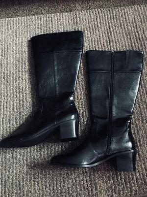 Boots women's size 11 wide calf for Sale in Columbus, OH