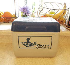 Vintage Gotta Sport Cooler 6 for Sale in North Las Vegas, NV