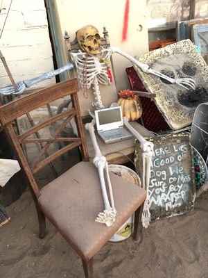 Shabby chic garden antiques yard for Sale in Las Vegas, NV