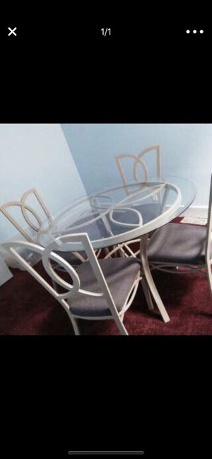 Dining room table for Sale in Hamtramck, MI