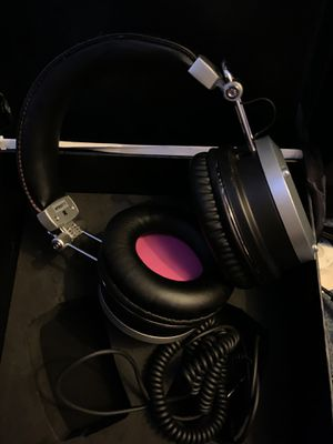 Avantone MP1 Mixphones over ear closed back studio headphones for Sale in Conroe, TX