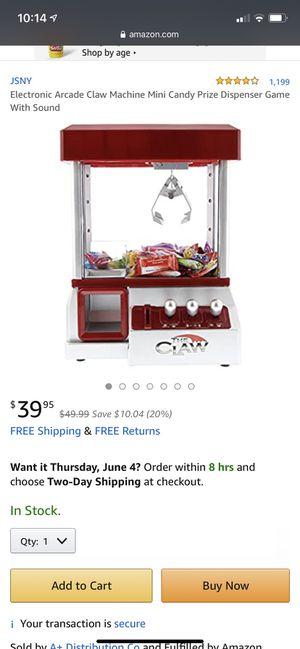 Arcade Claw game for Sale in Nuevo, CA