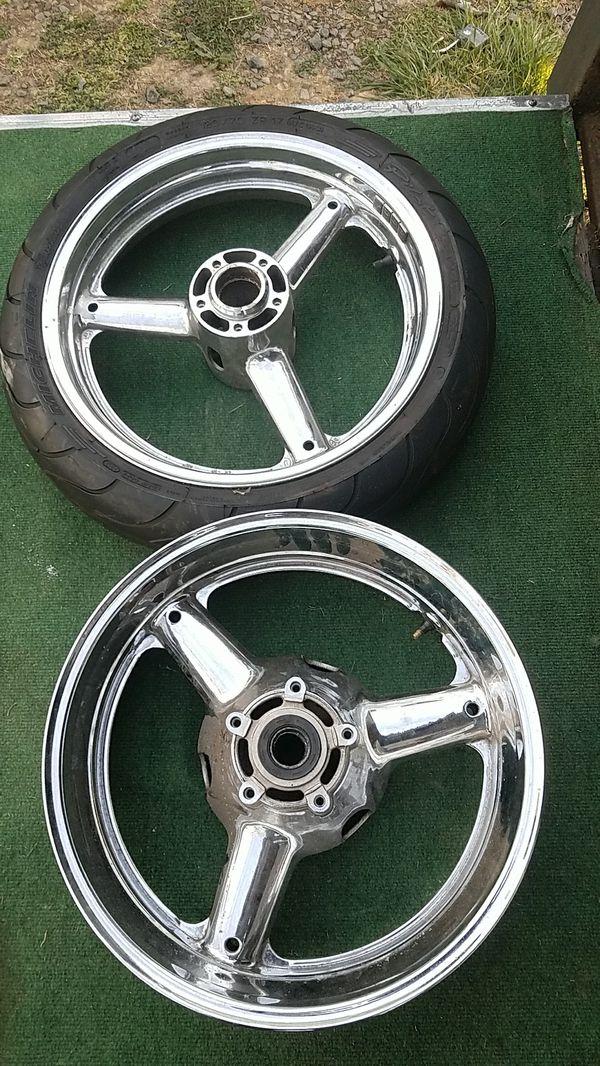 Suzuki chrome motorcycle wheels