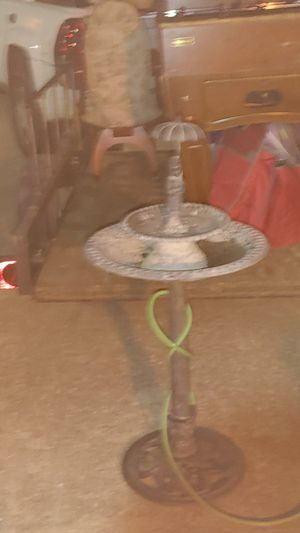 Bird bath water fountain for Sale in Euless, TX