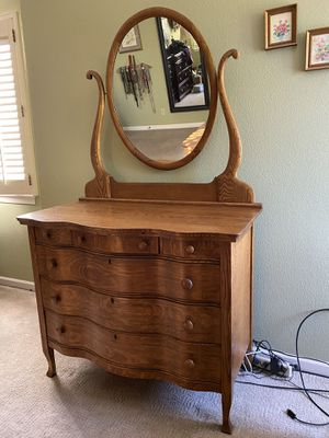 Oak serpentine front dresser with mirror. for Sale in Alameda, CA