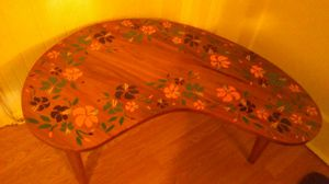 3 leg antique kidney shape table for Sale in Crisfield, MD