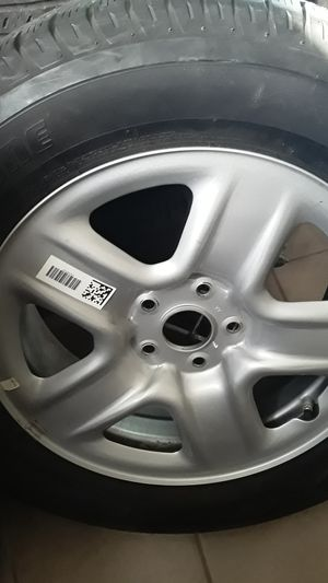 Toyota KAV-4 spear tire wheels e tire New bridgestone 225/ 65/ 17 for Sale in Orlando, FL