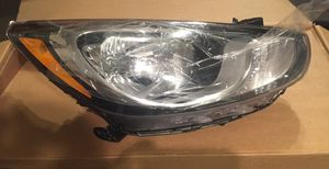 Hyundai Accent 2012-2014 Right Passenger Halogen Headlight OEM # 92102-1RXXX for Sale in Los Angeles, CA