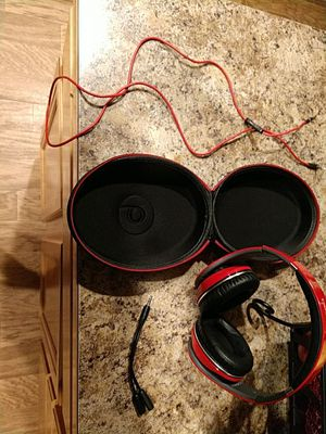 Red Beats By Dre Solo 2's W/ Case for Sale in Monroe, WA