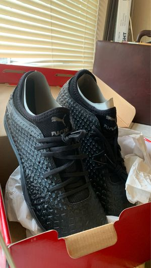 Puma SIZE 9 for Sale in Columbus, OH