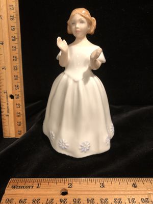 Royal Doulton HN 3044 Catherine for Sale in Puyallup, WA