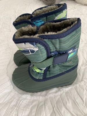 Boy snow boots children's place for Sale in Miami Lakes, FL