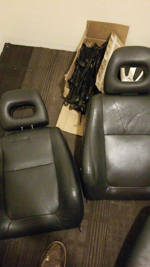 Acura leather gsr seats-(for parts) for Sale in Federal Way, WA