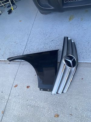 2010 Mercedes Benz C300 part grille $ 90. headlight right and left $250 , left fender 100 for Sale in Kissimmee, FL