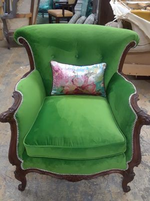 Vintage Accent Chair for Sale in Stafford, TX
