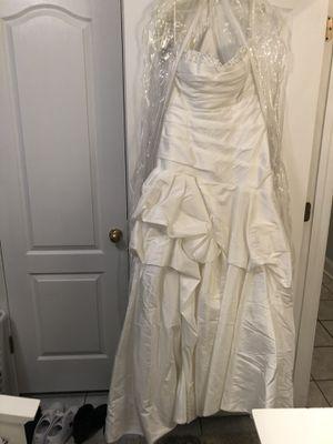 Vera wang Wedding dress. for Sale in Slidell, LA