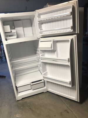 GENERAL ELECTRIC REFRIGERATOR for Sale in Newark, CA