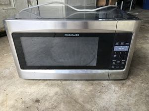 Semi commercial microwave Frigidaire for Sale in Columbus, OH