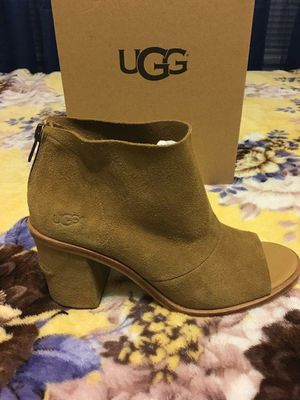 New Authentic Women's UGG Size 8 ❤❤❤ for Sale in Lakewood, CA