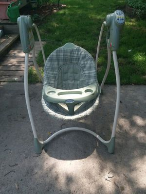 Graco baby swing for Sale in Melvindale, MI