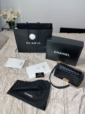 Chanel Boy Flap Bag for Sale in Chicago, IL