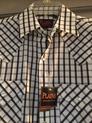 Button up shirt for Sale in Encinal, TX