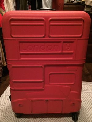 Large hard suitcase for Sale in Phelan, CA