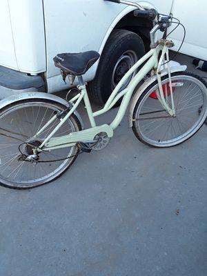 Huffy Cruiser bike for Sale in Fresno, CA
