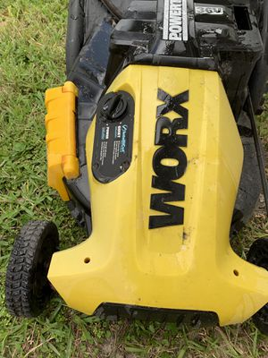 Worx 36V walk behind battery power lawn mover for Sale in Pembroke Pines, FL