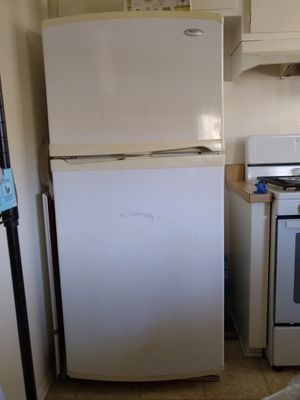 Whirlpool Gold Refrigerator for Sale in Carlsbad, CA