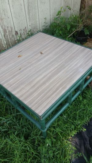 Nice sturdy coffee table for Sale in Columbus, OH