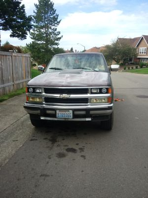 1988 Chevy Silverado fresh engine 20,000 miles 4-wheel drive runs and drives excellent for Sale in Renton, WA