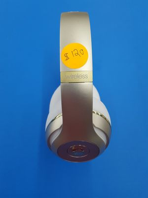 Beats Studio 3 Rose Gold Wireless Headphones for Sale in Redford Charter Township, MI