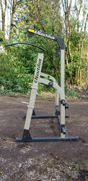 Nautilus Squat Rack with pull down and up pulleys for Sale in Snohomish, WA