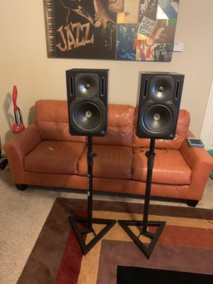 Behringer Speakers and Stands for Sale in DeSoto, TX